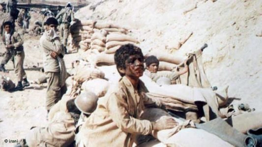 iranian-kids-fighting-in-the-iran-and-iraq-war-1980-1988