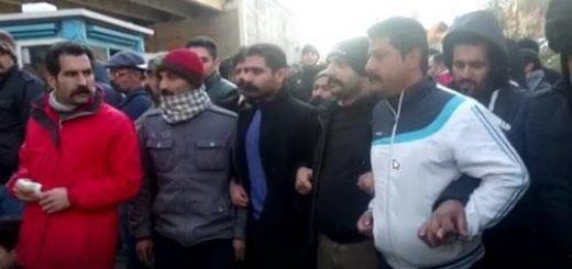 تجمع اعتراضی خانواده زندانیان در مقابل اوین