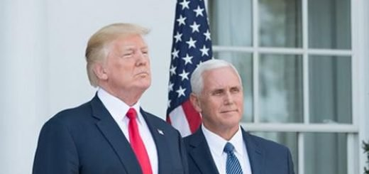 رییس جمهور ترامپ و معاونش مایک پنس