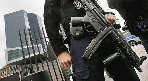 تحویل یکی از دستگیرشدگان طرح تروریستی در گردهمایی پاریس به بلژیک