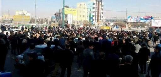 خبرگزاری رویترز: کاهش ارزش ریال محور اعتراضها در تظاهرات خیابانی
