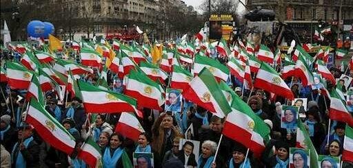 آسوشیتدپرس: اپوزیسیون ایران در راهپیمایی پاریس برای تغییر رژیم ایران فراخوان میدهد