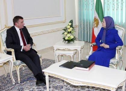 10-Maryam_Rajavi-Jonesمریم رجوی دیدار