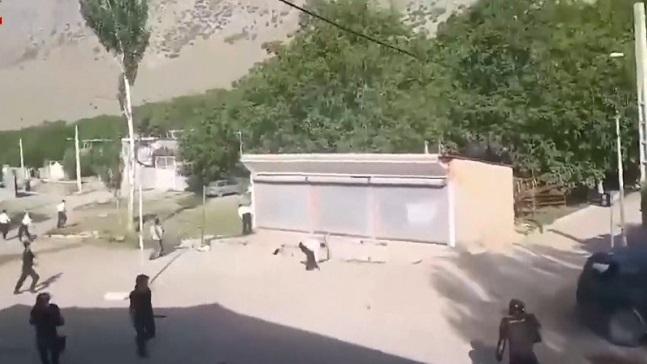 خبرهای تکمیلی از تهاجم وحشیانه و به رگبار بستن مردم روستای دره تنگ الشتر